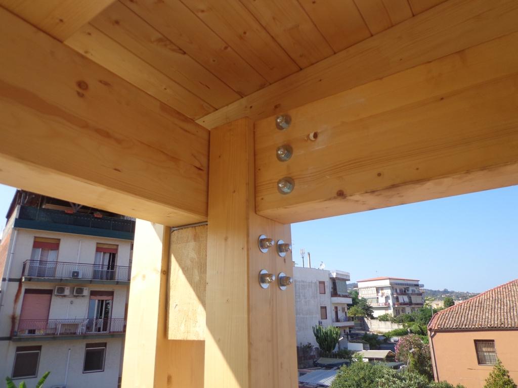Tettoia in legno su lastrico solare studio di pinto - Casa in legno su lastrico solare ...